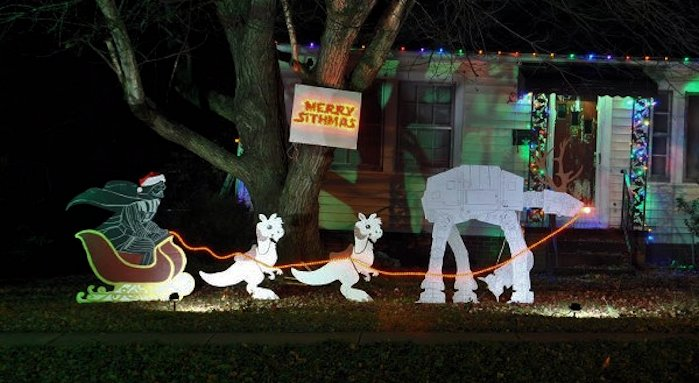 star-wars-christmas-lawn-ornament-600x401