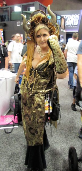 I'm honestly not sure what she is supposed to be but I loved her cosplay!